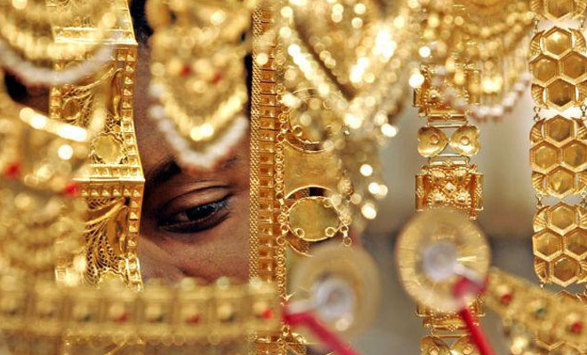Gold snaps 3-day falling trend, up by Rs 160 on global cues