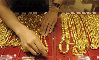 Gold gains for 3rd day in Delhi, prices up Rs 45 to Rs 30215 on higher buying