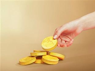 Gold, silver recover on seasonal demand, global cues