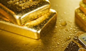 Gold, Silver Fall on Week; US Mint Bullion Coins Quicken