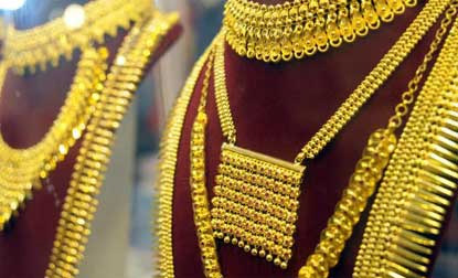Gold price recovers on scattered buying; silver remains weak