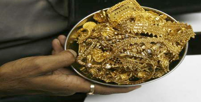 Gold silver bounce back on stockists buying
