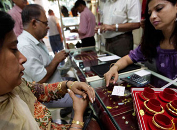 Gold price climbs by Rs 300 on seasonal buying, firming global cues