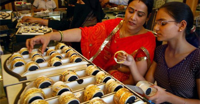 Gold price tumbles by Rs 340 to Rs 28760 per 10 grams