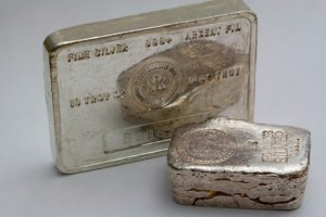 Gold Drops on Week; 2014 Silver Eagle Record Tops 43.5M