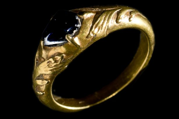 Man finds thousands of pounds worth of medieval treasure including 15th …