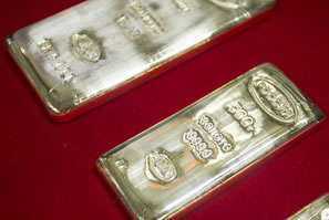 Gold, Silver Rally for First Winning Week in Seven